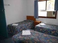 Economy Triple Room, Shared Bathroom (3 Single Beds) at Acacia Inner City Inn in Spring Hill