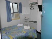 Economy Double Room, Shared Bathroom at Acacia Inner City Inn in Spring Hill