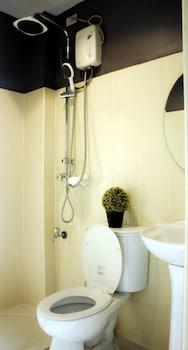 FREDERICK'S APARTELLE Bathroom