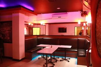 FREDERICK'S APARTELLE Karaoke Room