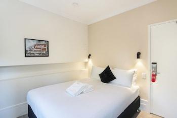 Guestroom at Sydney Boutique Hotel in Darlinghurst