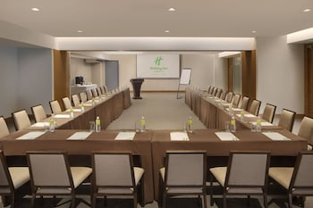 HOLIDAY INN BAGUIO CITY CENTRE Meeting Facility