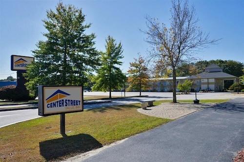 . Center Street Value Inn