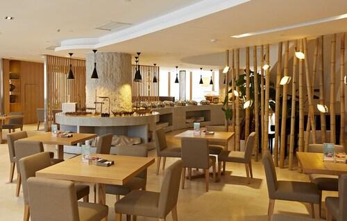 . ShenZhen DaMeiSha Airland Hotel