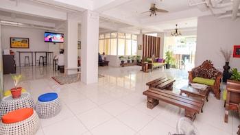 ZEN ROOMS SULIT DORMITEL MANILA Lobby Sitting Area