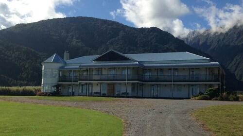 Hukawai Lodge, Westland
