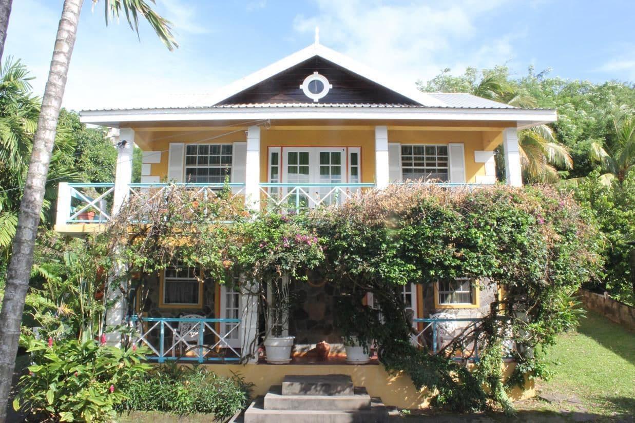 Buttercup Cottage Apartments,