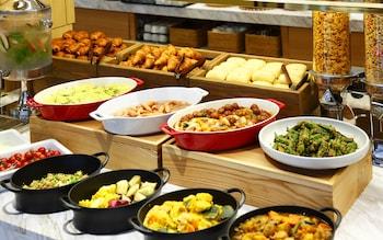 CANDEO HOTELS OSAKA NAMBA Breakfast Meal