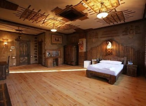 . Tuado Hotel