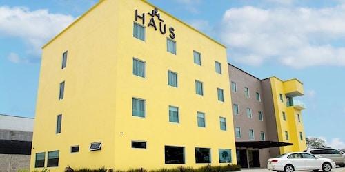 . Hoteles Haus