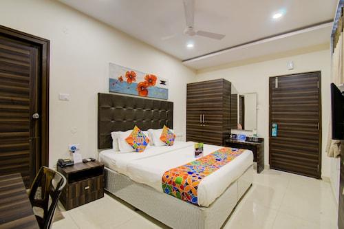 FabHotel Pearl City HiTech City, Ranga Reddy