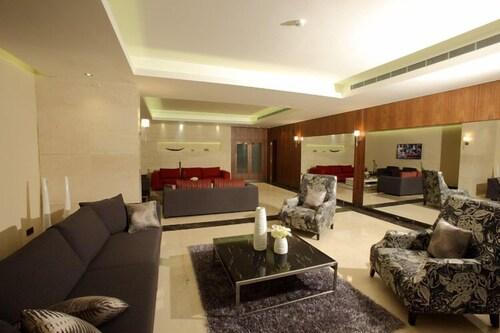 Heaven Hotel, Kasrouane