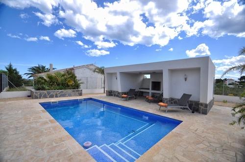 Paradise House, Tarragona