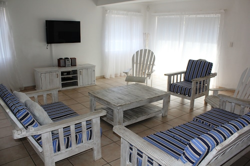 8 Weskus Villa Self catering, West Coast