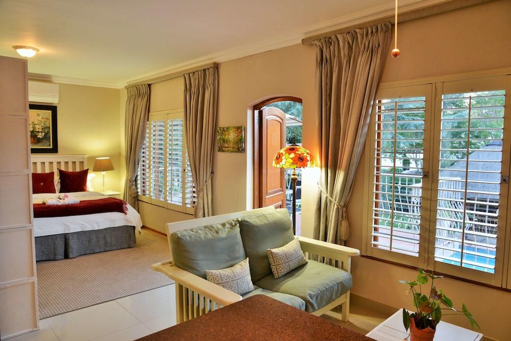 https://i.travelapi.com/hotels/18000000/17680000/17675400/17675390/450b68ea_z.jpg