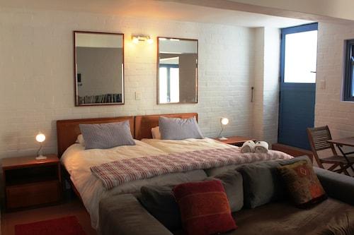 2 Seehuis Suite Oscar Self catering, West Coast