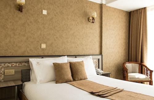 Astorian Grand Hotel, Naivasha
