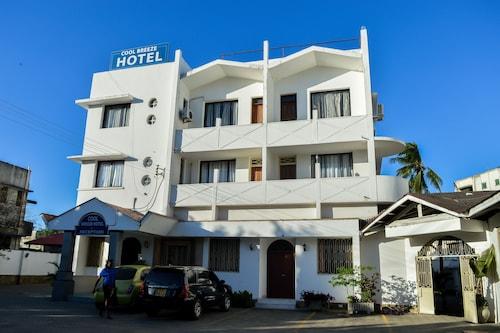 Cool Breeze Hotel, Mvita