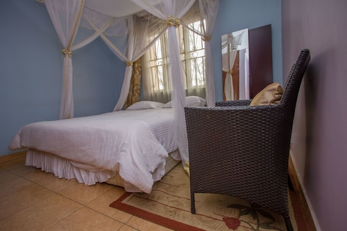 Crystal Suites and Apartments, Kampala