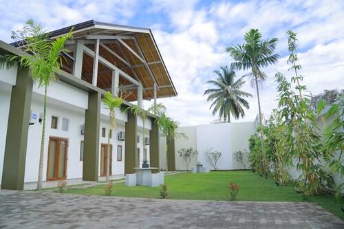 Hotel Cloud Nine, Negombo
