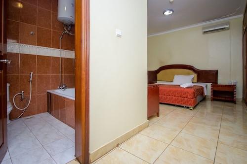 Emerald Hotel, Kampala