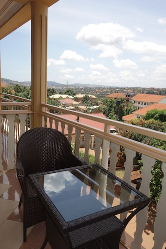 Foxwoods Hotel, Kampala