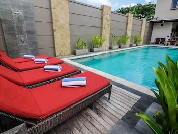 庫塔水明漾海灘尼達飯店 - 斯華納套房飯店