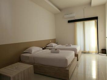 西翁瓦娜拉克洛德尼達飯店