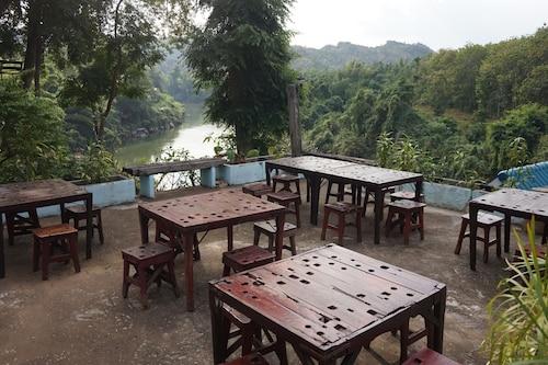 Kwainoy Riverpark & Resort, Sai Yok