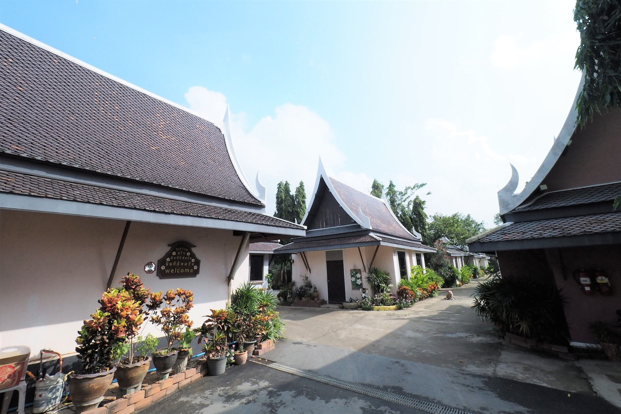 Sweet Inn Resort Hotel, Bang Pahan