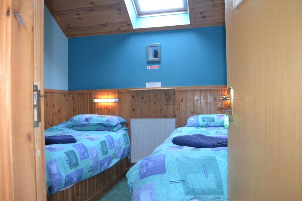 Ayres Rock Hostel & Campsite, Orkney Islands