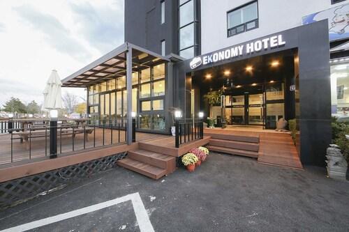. Ekonomy Hotel Sokcho