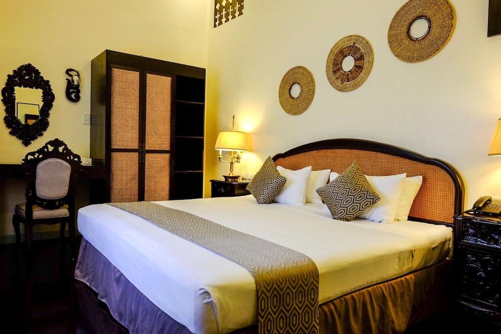 https://i.travelapi.com/hotels/18000000/17740000/17730300/17730253/e46e7385_z.jpg