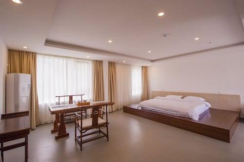 Yangshuo Tao House, Guilin
