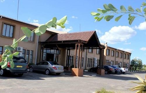 . Adansonia Hotel
