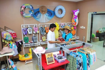 TANZA OASIS HOTEL AND RESORT Gift Shop
