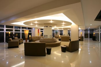 TANZA OASIS HOTEL AND RESORT Lobby Sitting Area