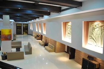 TANZA OASIS HOTEL AND RESORT Lobby Lounge