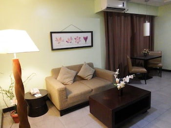 TANZA OASIS HOTEL AND RESORT Living Area