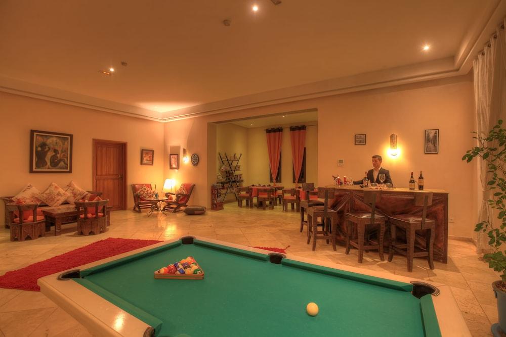 https://i.travelapi.com/hotels/18000000/17750000/17749100/17749029/b04a1803_z.jpg