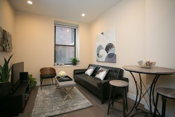 Chic 1BR in Downtown Boston by Sonder photo