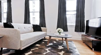 Charming 1BR in Theater District by Sonder photo