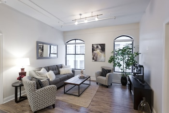 Posh 2BR in Financial District by Sonder