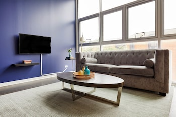 Spacious 3BR in Lincoln Park by Sonder photo
