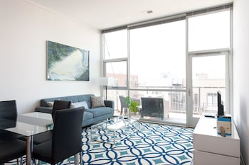 Bright 2BR in Lincoln Park by Sonder photo