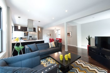 Smart 3BR in Bucktown by Sonder