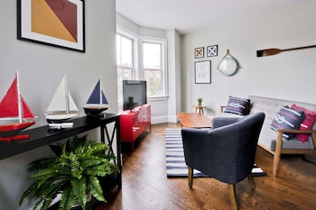 Contemporary 2BR in Cambridge by Sonder photo