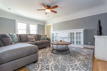 Grand 3BR in North Park by Sonder photo