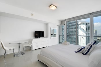 Stunning Studio in Brickell by Sonder photo