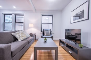 Airy 1BR in Theater District by Sonder photo